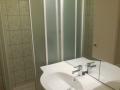 4 fős apartman zuhanyzó